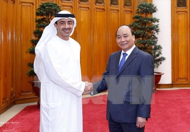 越南政府总理阮春福会见阿联酋外交与国际合作部部长 hinh anh 1