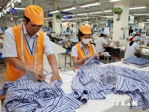 2016年前4个月越南纺织品和鞋类出口额达105亿美元 hinh anh 1