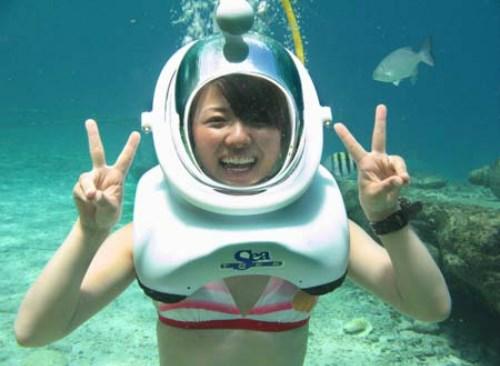 广南省占婆岛开设海底漫步旅游让游客探索海底世界 hinh anh 2