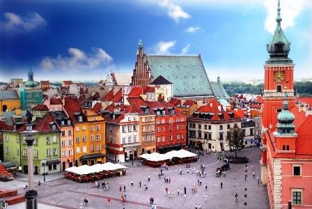 越南举行纪念活动 庆祝波兰宪法日225周年 hinh anh 1