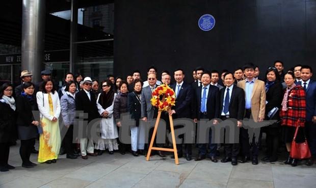 胡志明主席诞辰126周年纪念活动在英国举行 hinh anh 1