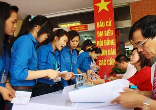 河内市青年选民喜迎新一届国会和各级人民议会换届选举 hinh anh 1