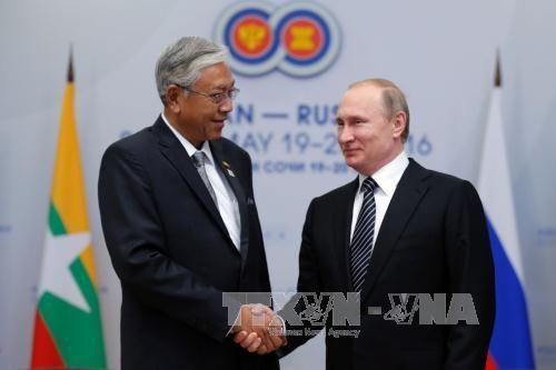 俄总统普京与东盟各成员国领导人举行双边会晤 hinh anh 2