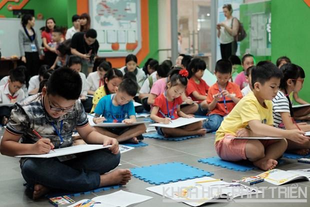 """""""越南未来与核电""""儿童绘画比赛激发儿童对科学的兴趣 hinh anh 1"""