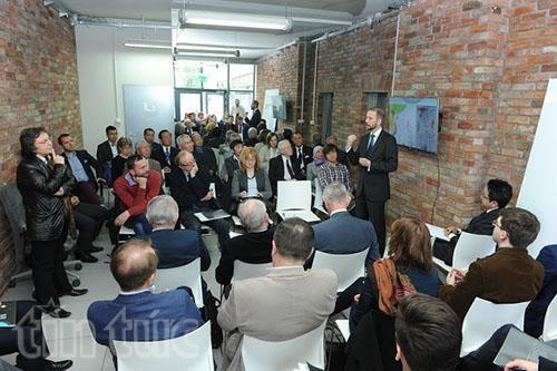 东海问题研讨会在波兰华沙举行 hinh anh 1