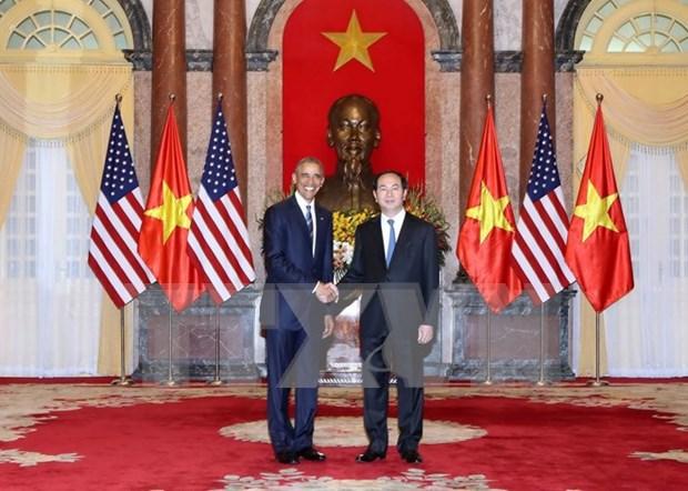 国际媒体纷纷报道美国全面解除对越南武器销售禁令的信息 hinh anh 1