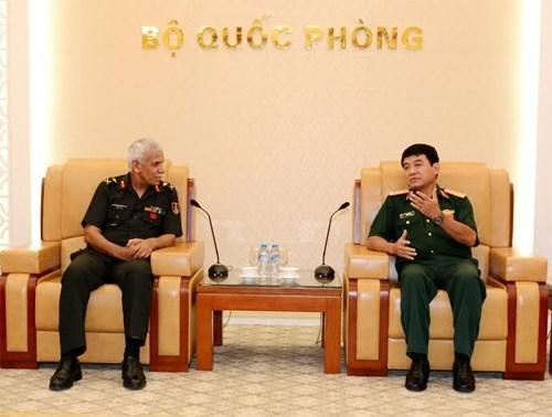 越南人民军副总参谋长武文俊上将会见印度国防学院代表团 hinh anh 1