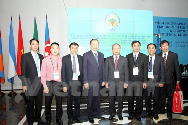 越南公安部长苏林上将出席第七届安全事务高级代表国际会议 hinh anh 1