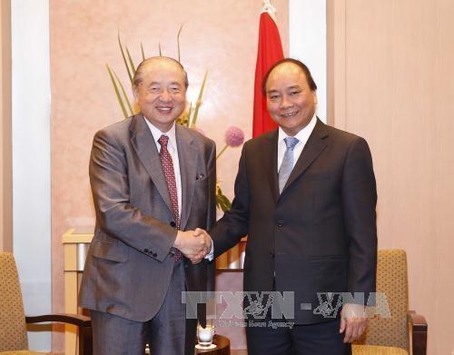 越南政府总理阮春福会见日本三菱集团总裁 hinh anh 1