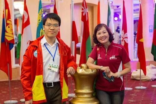 国象亚洲个人赛第6轮:越南棋手黎光廉居榜首 hinh anh 1