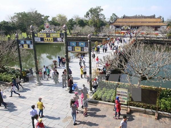 今年前5月顺化古都遗迹区接待游客量100多万人次 hinh anh 1
