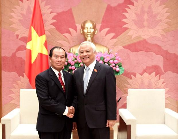 越南国会副主席汪周刘会见老挝司法部长塞西•桑迪冯 hinh anh 1