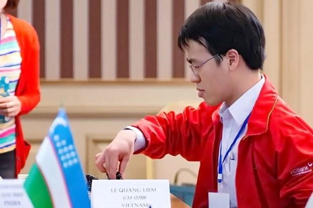 国象亚洲个人第八轮:越南棋手黎光廉击败印度棋手离冠军更进一步 hinh anh 1
