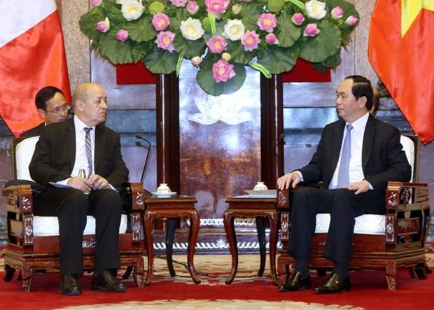 越南国家主席陈大光分别会见法国和印度国防部长 hinh anh 1