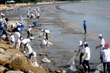 越南海洋岛屿周:维护海洋环境——从意识到行动 hinh anh 1