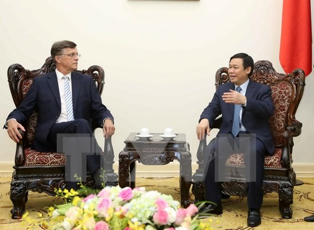 澳大利亚联邦银行总裁伊恩•纳瑞夫对越南经济前景表示乐观 hinh anh 1