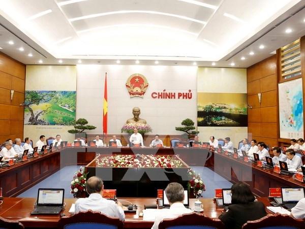 越南政府5月份例行会议决议 各部委、地方政府主动和灵活地完成各项任务 hinh anh 1