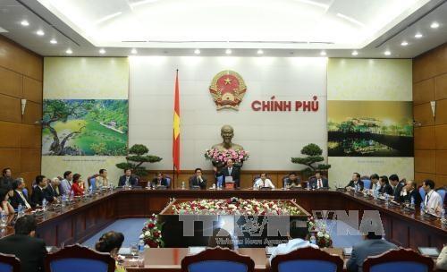 阮春福总理:新闻媒体应参与协助并为企业发展创造条件 hinh anh 1