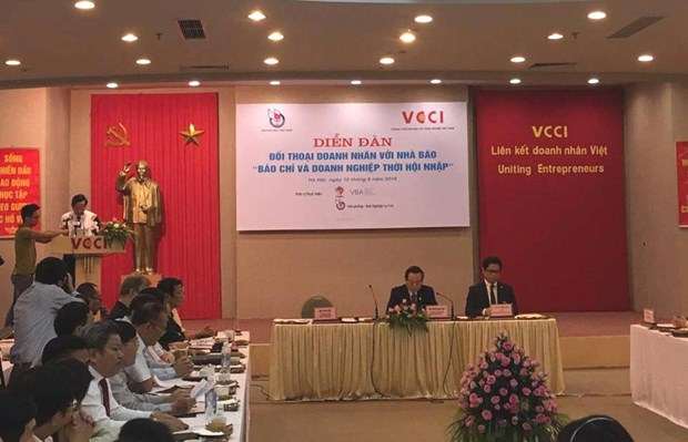 """题为""""融入国际社会时代新闻媒体与企业""""论坛在河内举行 hinh anh 1"""