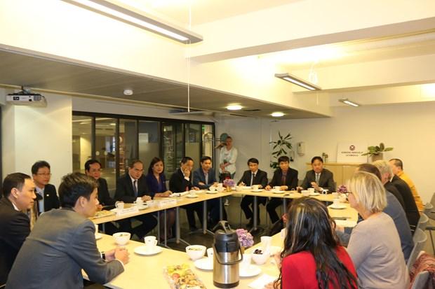 越南祖国阵线中央委员会主席阮善仁对挪威进行工作访问 hinh anh 1