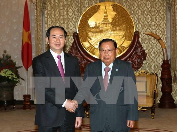 老挝媒体:越老承诺加强两国特殊关系 hinh anh 1