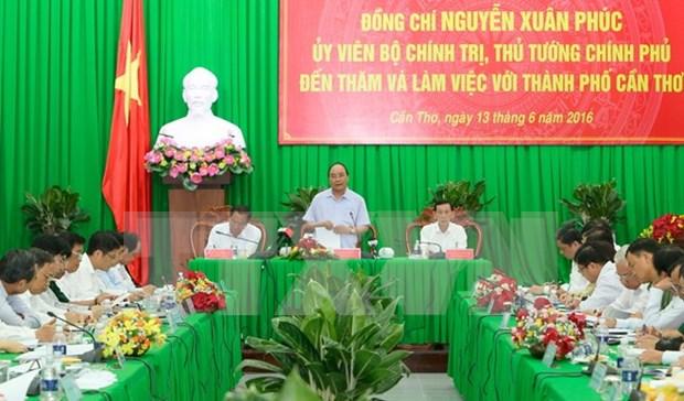 越南政府总理阮春福:完善发展规划是芹苴市的核心任务 hinh anh 1