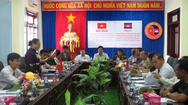 越柬两国致力于建设和平友谊合作边界线 hinh anh 1
