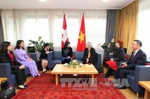 越南国家副主席邓氏玉盛对瑞士进行工作访问 hinh anh 3