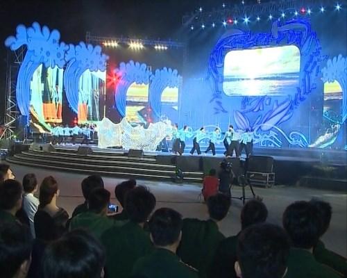 """""""共同携手净化海洋""""音乐盛会在清化省举行 hinh anh 1"""