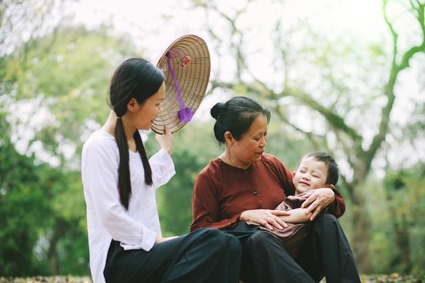 推介越南北中部地区各民族家庭传统文化活动亮相河内 hinh anh 1
