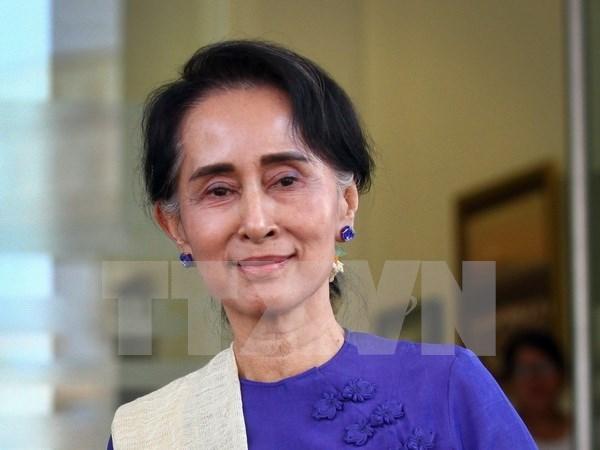 缅甸国家顾问昂山素季对泰国进行正式访问 hinh anh 1