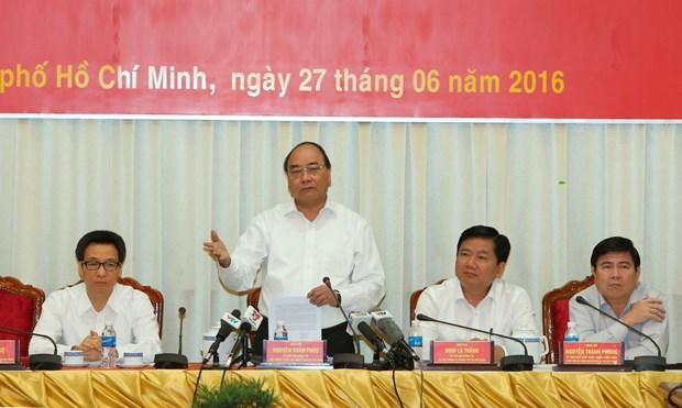 政府总理阮春福:需把胡志明市建设成为深入融入地区和国际价值链的智慧城市 hinh anh 1