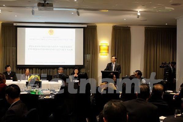 """""""对越南投资商机""""越侨商人座谈会在澳大利亚举行 hinh anh 1"""