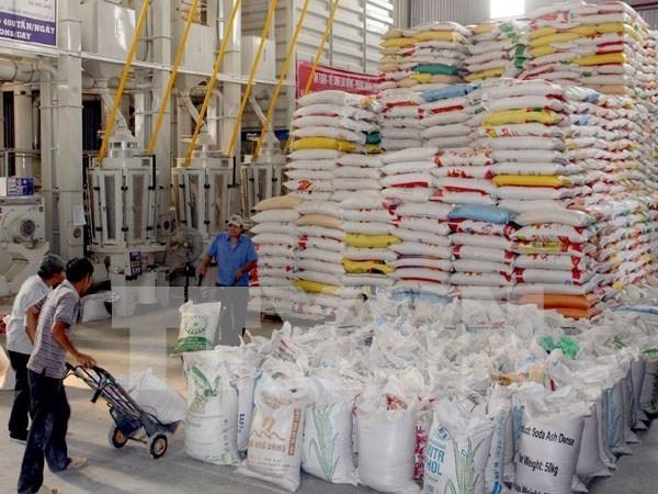 泰国继续以较高的价格拍卖100万吨的库存大米 hinh anh 1