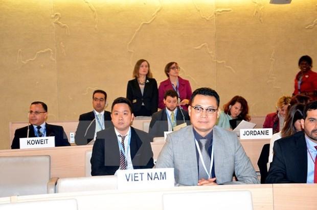 联合国人权理事会通过越南所递交关于儿童权利和气候变化的决议 hinh anh 1