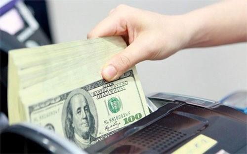 越盾兑换美元中心汇率较前一日上涨8越盾 hinh anh 1