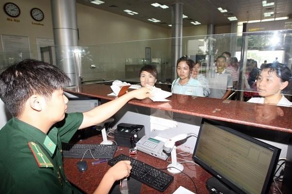 越南旅游总局建议对非法从事导游工作的中国人驱逐出境 hinh anh 1