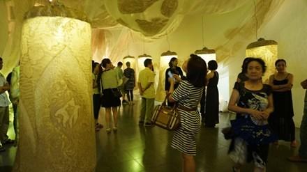 竹纸——既陌生又熟悉的一种艺术形式 hinh anh 1