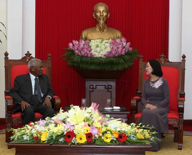 越共中央民运部部长张氏梅会见印度共产党代表团 hinh anh 1