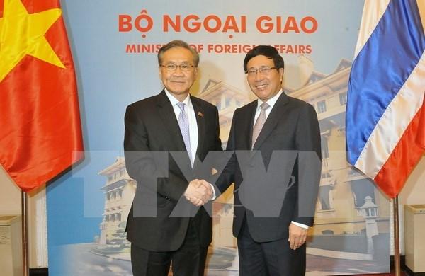 越南政府副总理兼外长范平明与泰国外长敦·帕马威奈举行会谈 hinh anh 1