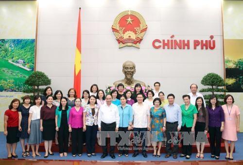 阮春福总理:不断革新越南妇女联合会的活动方式 hinh anh 1