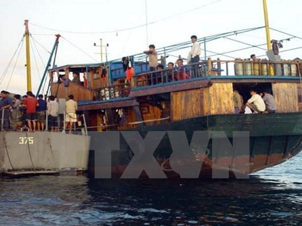 三名印尼船员在马来西亚海域遭绑架 hinh anh 1