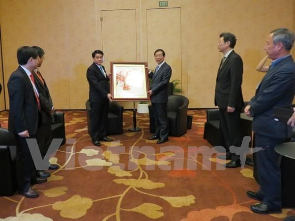 越南河内市与韩国首尔加强多个领域的合作 hinh anh 1