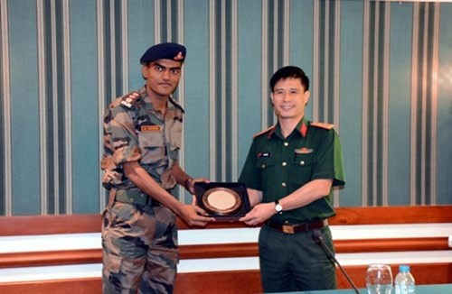 印度年轻军官代表团在越南举行系列交流活动 hinh anh 3