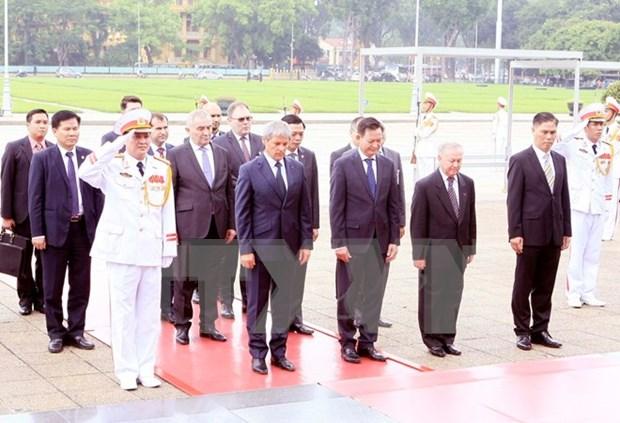 罗马尼亚总理圆满结束对越南的正式访问 hinh anh 1