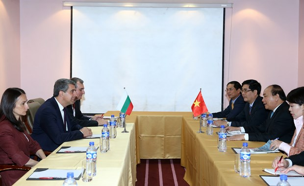 越南政府总理阮春福会见中国总理和保加利亚总统 hinh anh 4