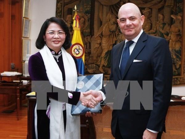 国家副主席邓氏玉盛对哥伦比亚进行正式访问 hinh anh 3