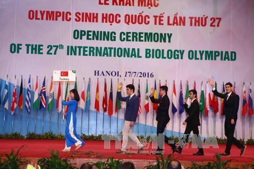第27届国际生物奥林匹克竞赛开幕式在越南举行 hinh anh 1