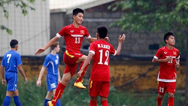 2016年东南亚U16足球锦标赛:越南队闯入半决赛 hinh anh 1