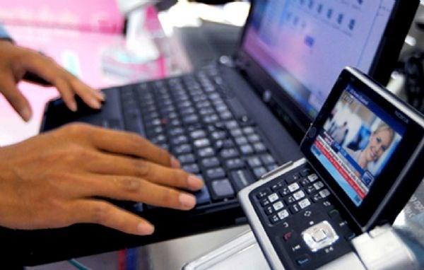 越南愿同世界各国加强信息通信技术领域合作 hinh anh 1